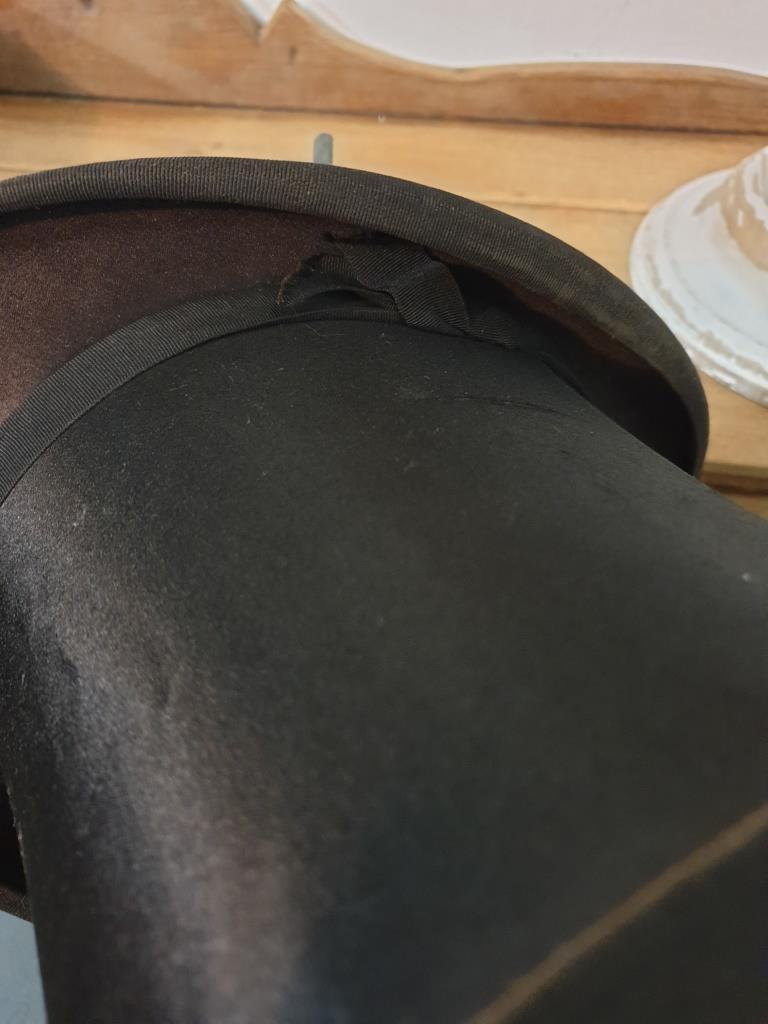 8 chapeau clac
