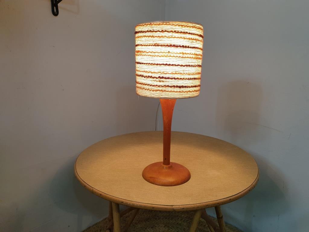 8 lampe bois laine