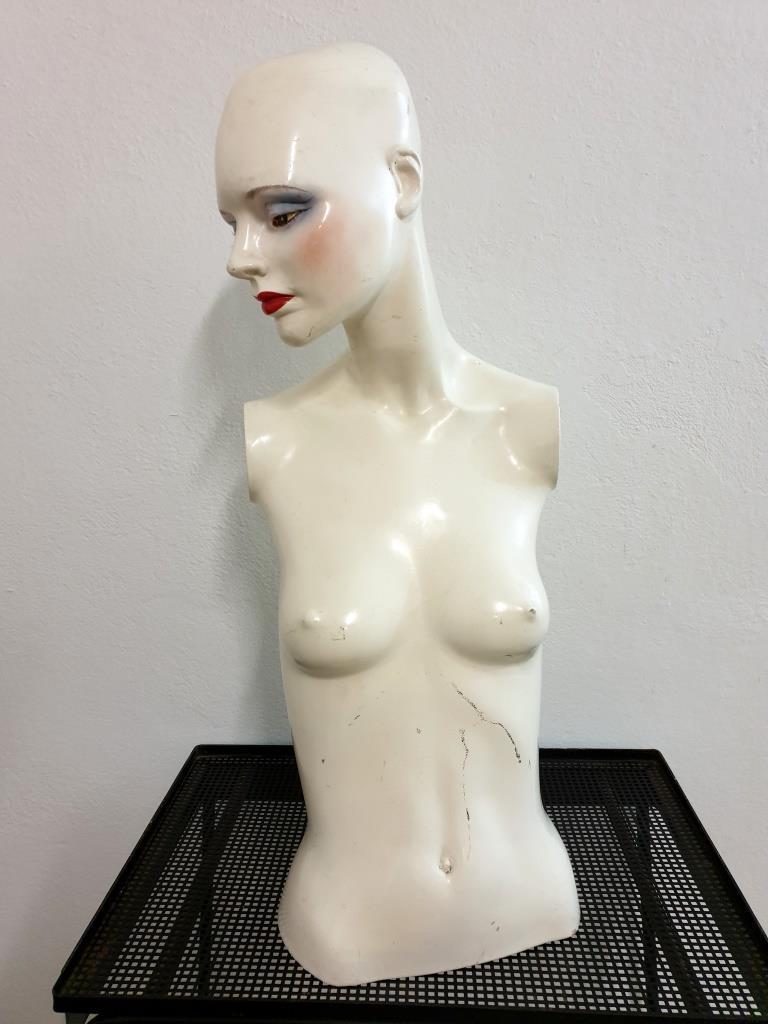 8 mannequin 70