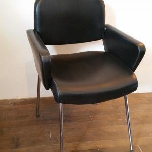 8 paire de fauteuils skai noir