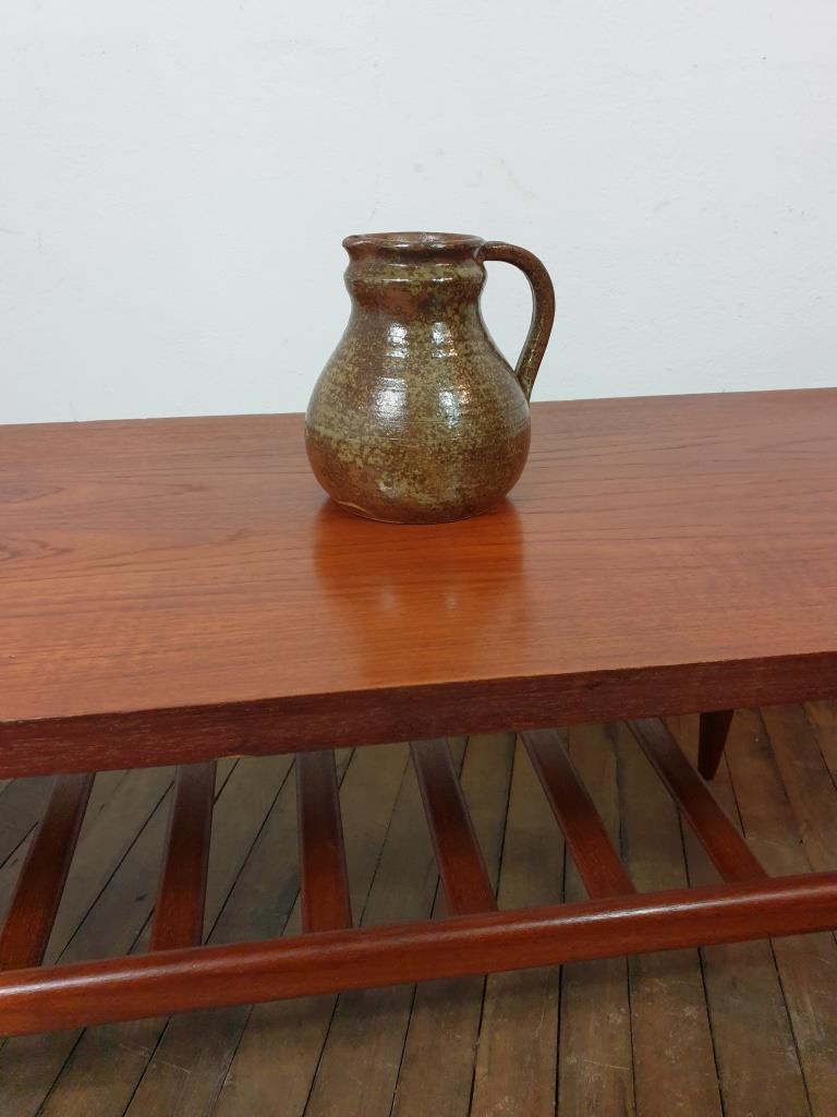8 pichet en ceramique signe