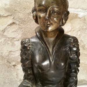 8 statue femme art deco