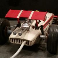 8 voiture filoguidee