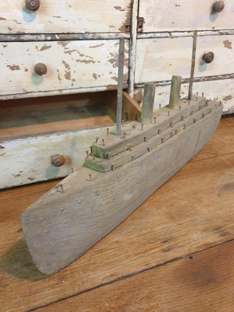 9 bateau navire de guerre