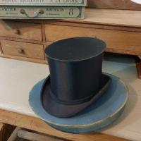 9 chapeau clac