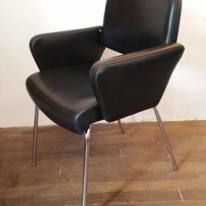 9 paire de fauteuils skai noir