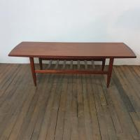 9 table scandinave