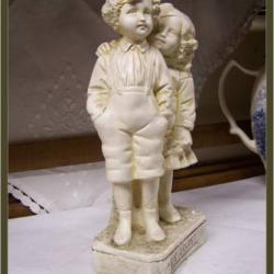 Statuette Couple d'Enfants