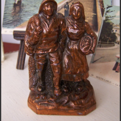 Souvenir de bord de mer : Le pêcheur et sa femme