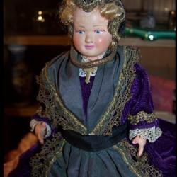 Ancienne poupée