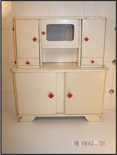 Meuble de poup e vintage buffet des ann es 50 for Meuble buffet annee 50