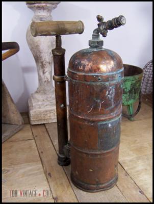 Ancien pulvérisateur