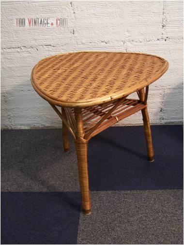 table tripode en osier table vintage. Black Bedroom Furniture Sets. Home Design Ideas