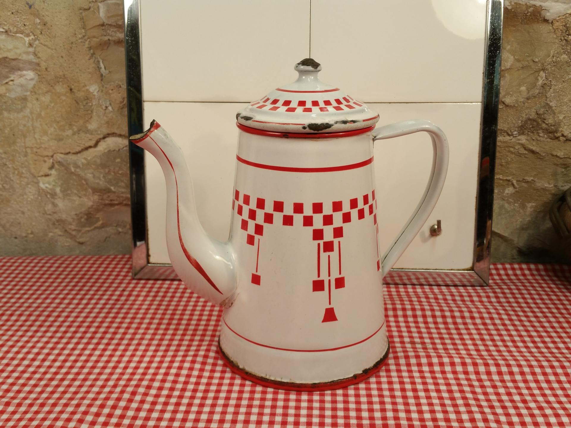 Lbc cafetiere emaillee blanche et rouge
