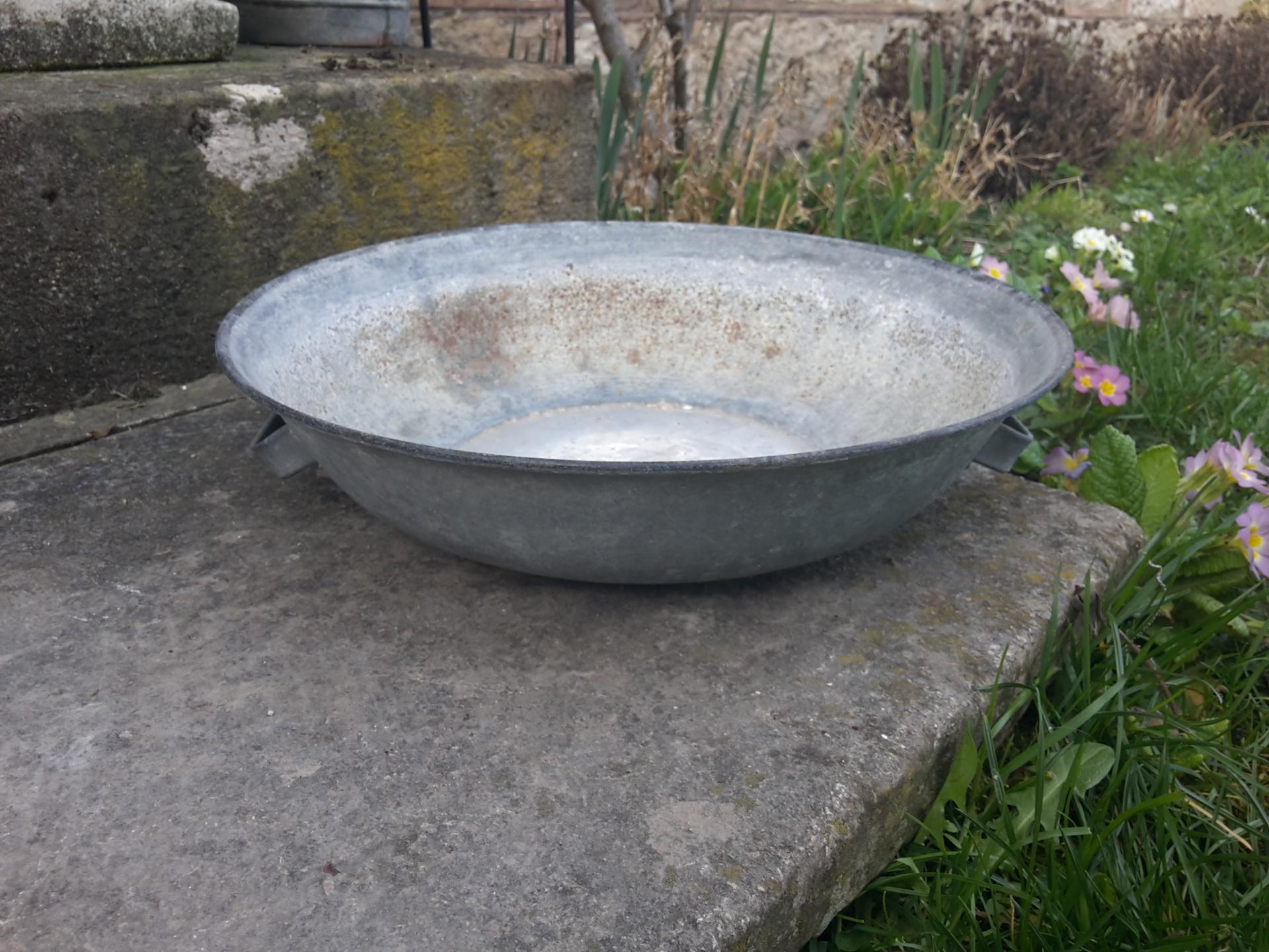 Petite bassine en zinc 1
